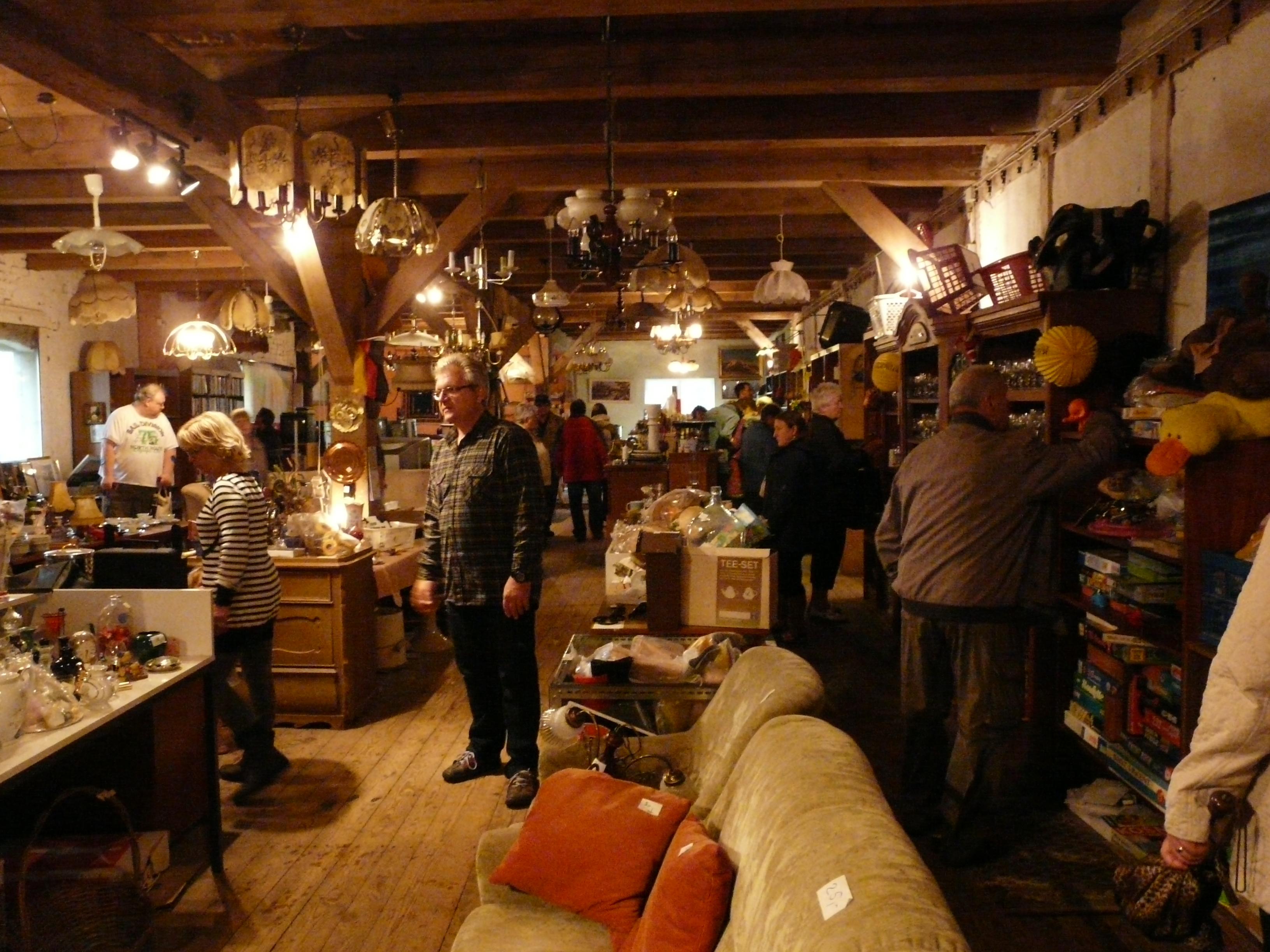 flohmarkt im alten speicher mecklenburgische seenplatte. Black Bedroom Furniture Sets. Home Design Ideas