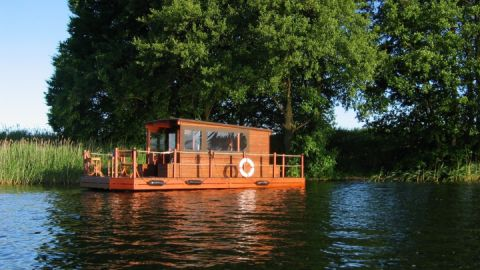 38_Tante Polly Floß – Entspannung am Ufer der Havel
