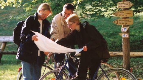 Radfahrer mit Karte