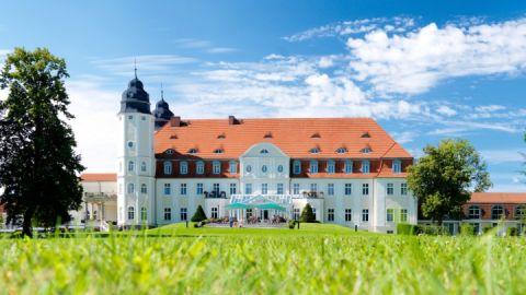 Schlosshotel_Fleesensee_aussen_2015-03-26_large-web