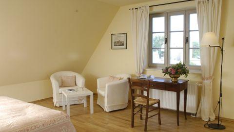 Unser wohnliches Doppelzimmer mit Schlossblick