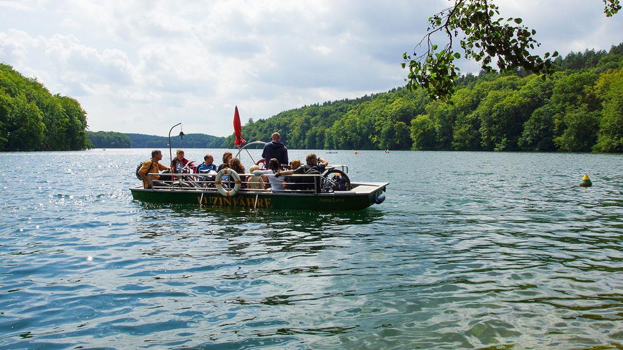 Seilfähre über den Schmalen Luzin bei Feldberg, Mecklenburgische Seenplatte