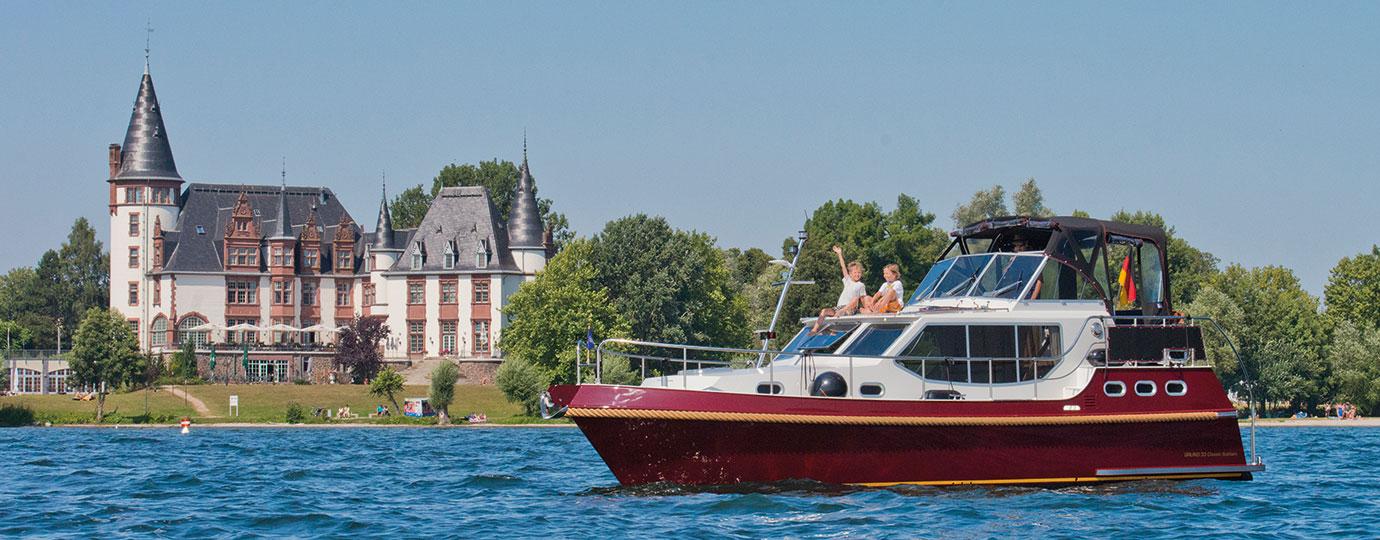 Wasserwandern Mecklenburgische Seenplatte Karte.Hausboote Motoryachten Mieten Bootsurlaub Auf Der Muritz