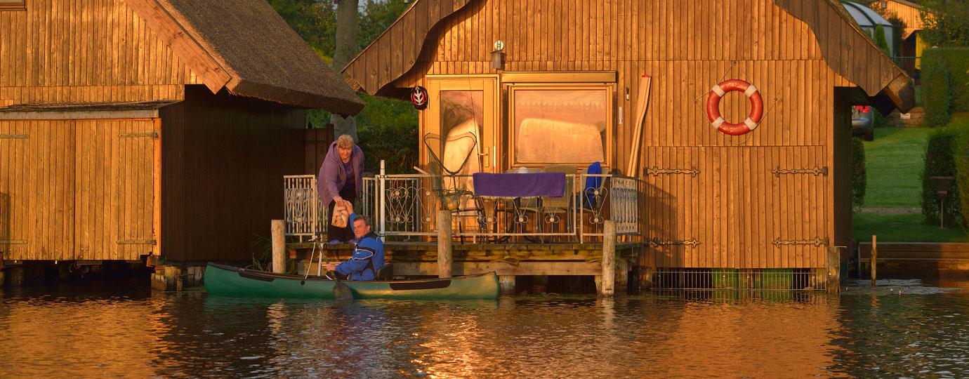 Brötchen holen im Kanu, Mecklenburgische Seenplatte