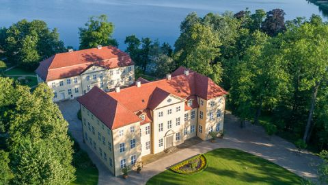 Luftbild Schlossinsel Mirow mit Schloss Mirow und 3 Königinnen Palais