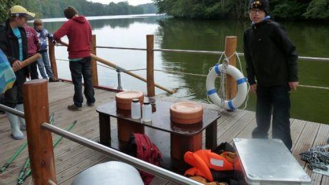 Expedition mit dem Floß
