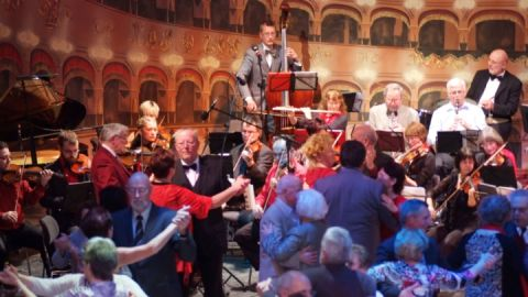 Salonorchester-Ball im Landestheater Neustrelitz