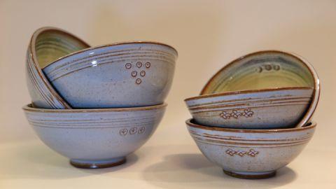 taubenblaue Keramik