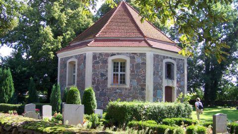 Die achteckige Kirche bietet schon durch ihren Grundriss eine architektonische Besonderheit
