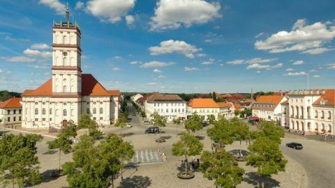 Marktplatz mit Stadtkirche