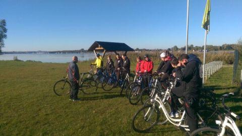 Fahrrad-Gruppe am Inselsee in Güstrow