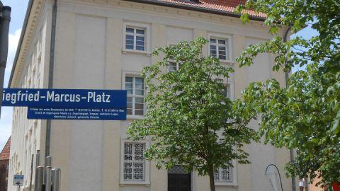 3marcus-platz-und-rathaus