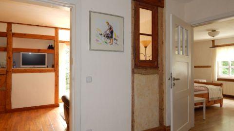 4. Blick ins Wohn- und Schlafzimmer
