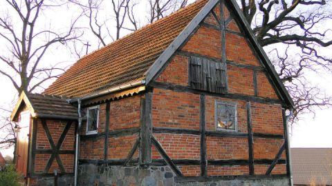 Lüttenhagen Kirche