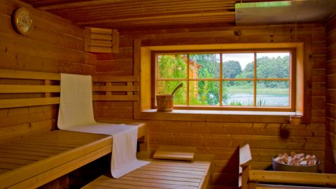 Sauna direkt am See