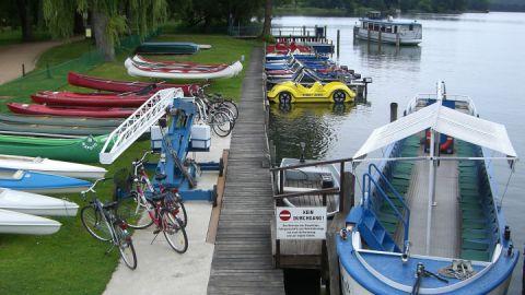 Unsere Vermietstation und der Hafen der Feldberger Fahrgastschifffahrt, Ihr Ausgangspunkt zur Entdeckung der Feldberger Seenlandschaft