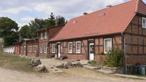 Dorfbegegnungsstätte mit Sommergalerie