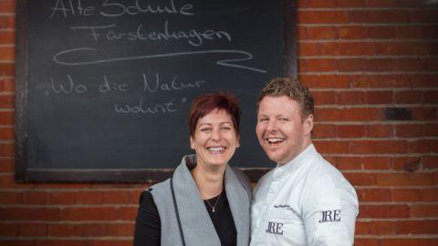 Das Betreiberpaar und Ihre Gastgeber: Nicole und Sternekoch Daniel Schmidthaler