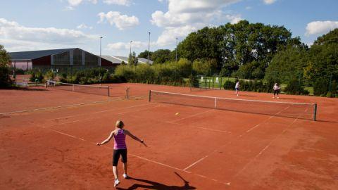 Alles für Ihr Tennisspiel - Tennis Fleesensee