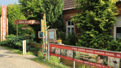 Eingang zum Exotik-Kunst-Garten