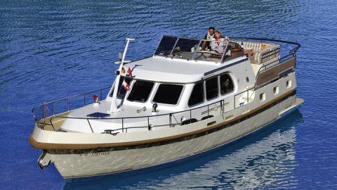 Hausboot-Motoryachten - Yachtcharter Römer