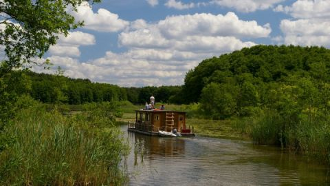 Hausfloß - Mecklenburgische Seenplatte