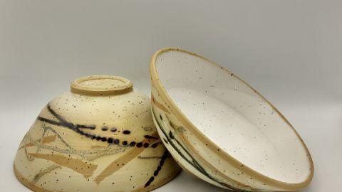 Schalen aus Steinzeug