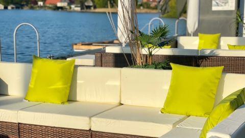 Von unserer Terrasse haben Sie einen wundervollen Blick auf den Haussee
