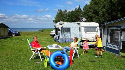 Camping direkt am Wasser