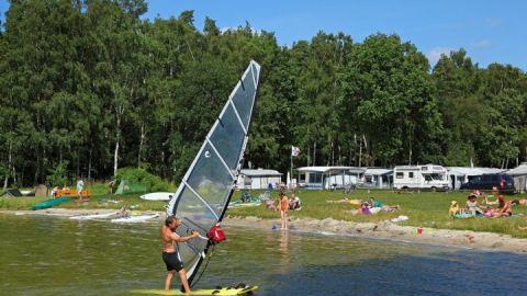 Surfen am Südostufer der Müritz