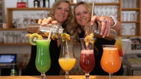 Cocktails für Sie frisch gemixt