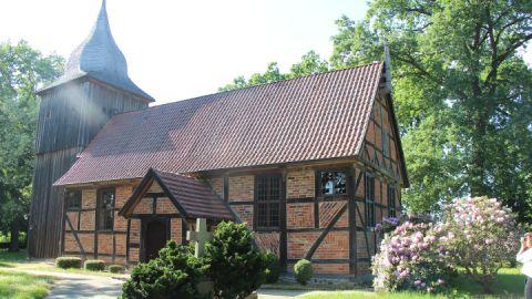 Außenansicht - Kirche Dammwolde