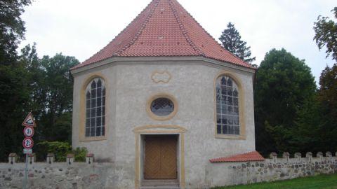 Die Kirche in Nehringen