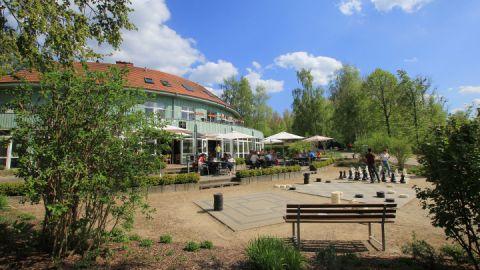 """Das Gasthaus """"Zum Seeadler"""" hat von Ostern bis Ende Oktober geöffnet."""