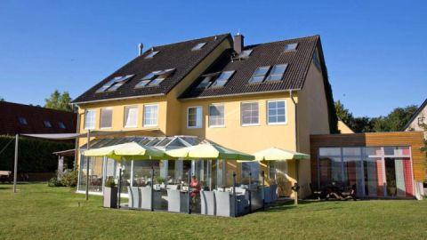 Außenansicht - Hotel Am Müritz-Nationalpark