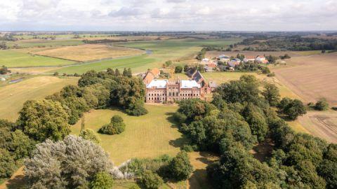 Schloss-und-Gutsanlage Broock