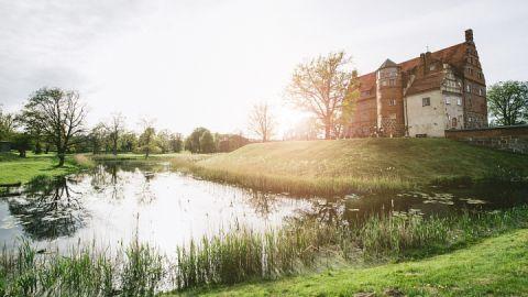 Sommerliches Schloss Ulrichshusen