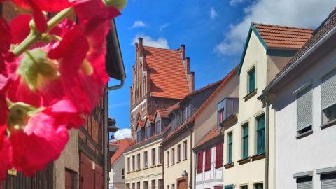Rostocker Tor von der Ringstraße aus