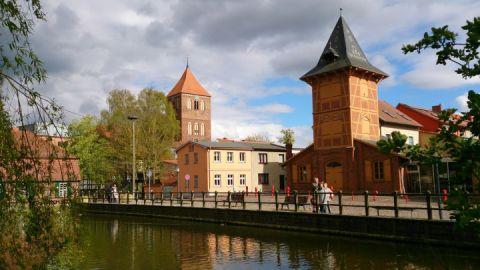 Spritzenhaus und Stadtkirche Teterow